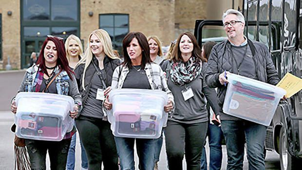Maurices Employees Giving Back To Their Community
