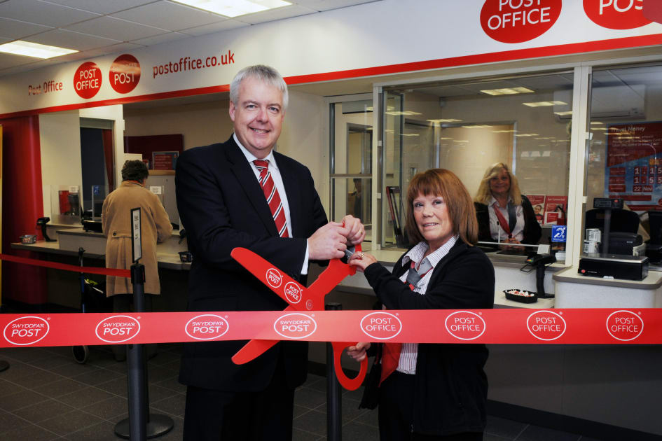 Modernising Stores Of The Uks Post Office